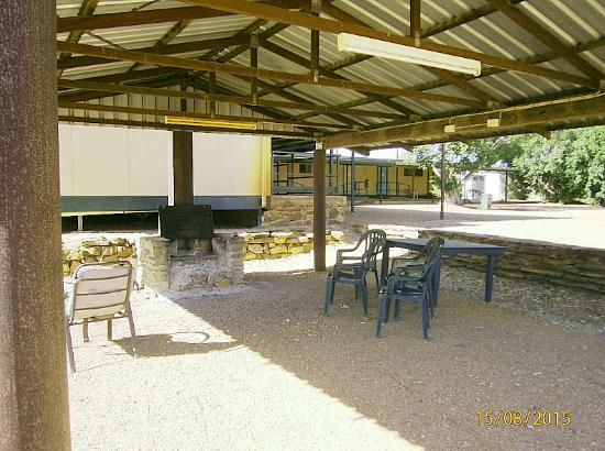 Belyando Crossing Roadhouse - Accommodation Main Beach