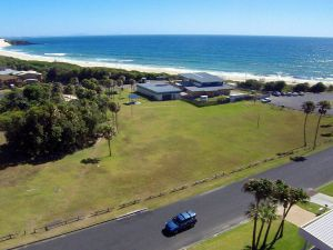 2 Cliff Road - Accommodation Main Beach