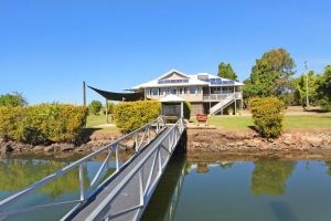 Campbell 7 - Large Queenslander on Maroochy River - Accommodation Main Beach