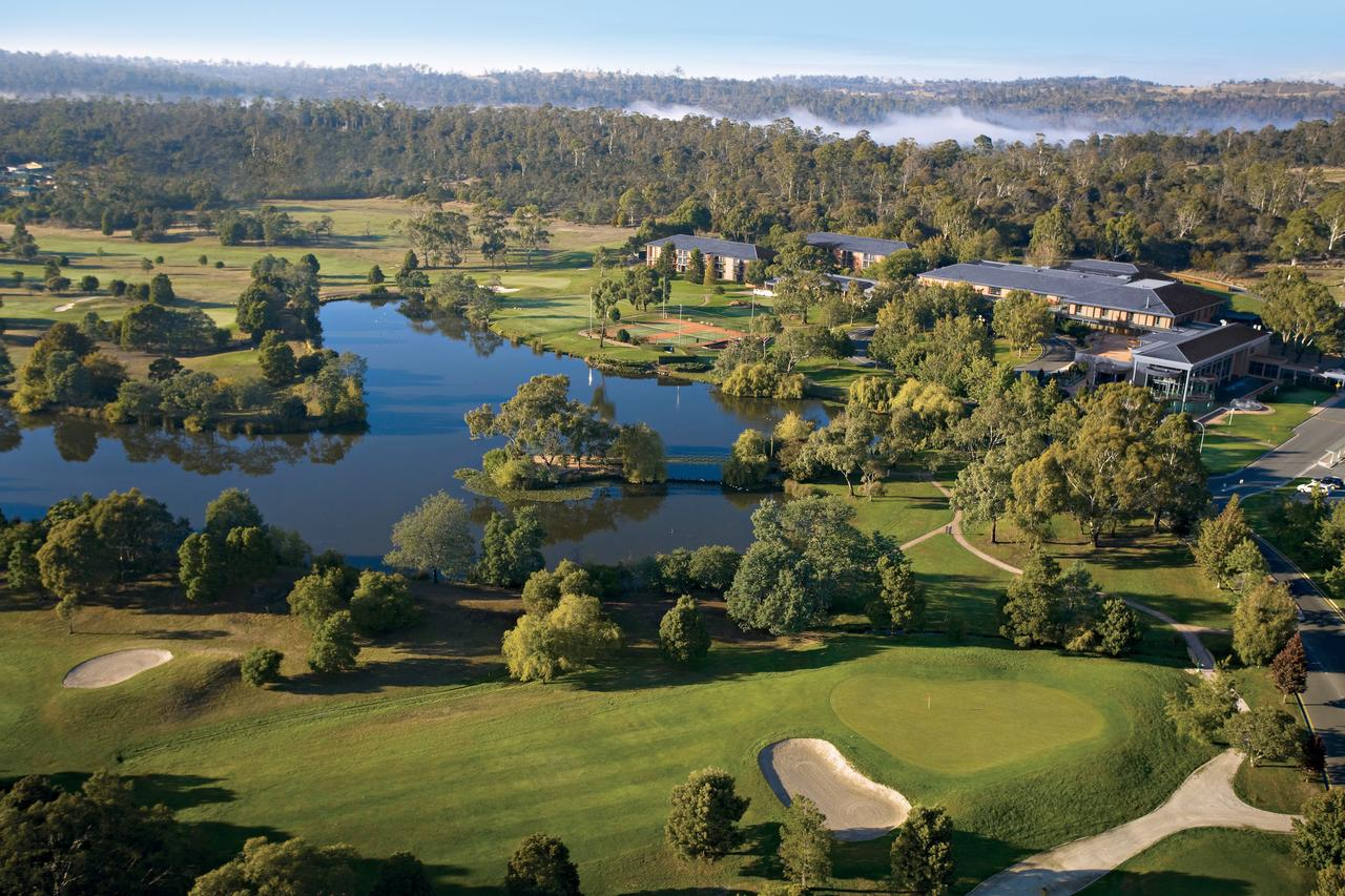 Country Club Tasmania - Accommodation Main Beach