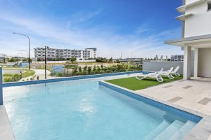 Direct Hotels - Aquarius Kawana - Accommodation Main Beach
