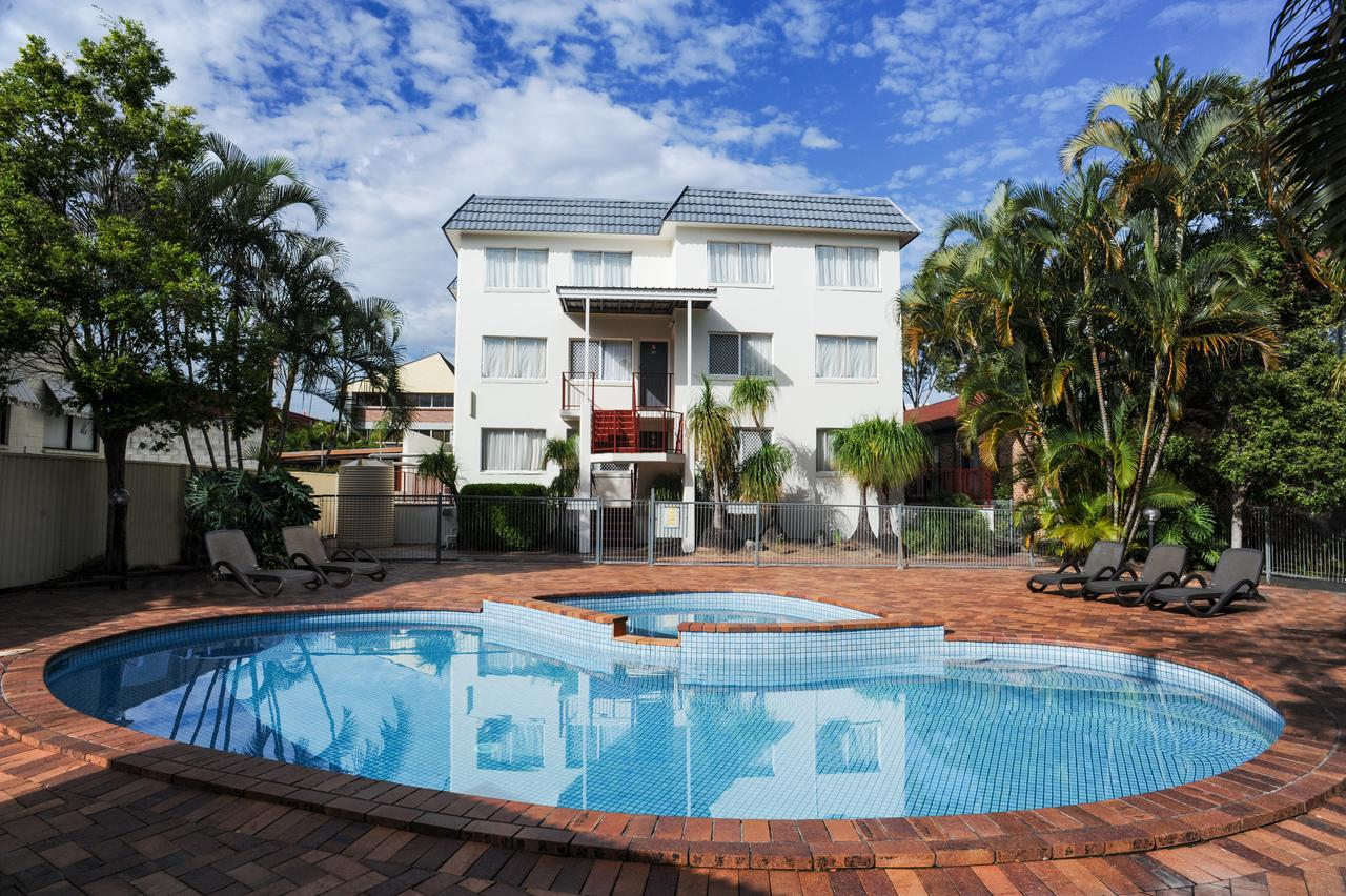 Earls Court Motel  Apartments - Accommodation Main Beach
