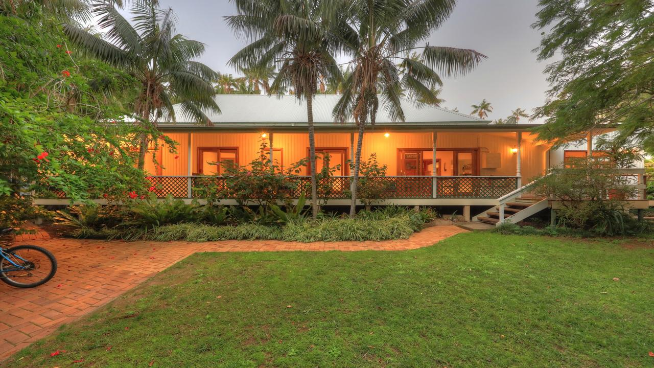 Beachcomber Lodge - Accommodation Main Beach